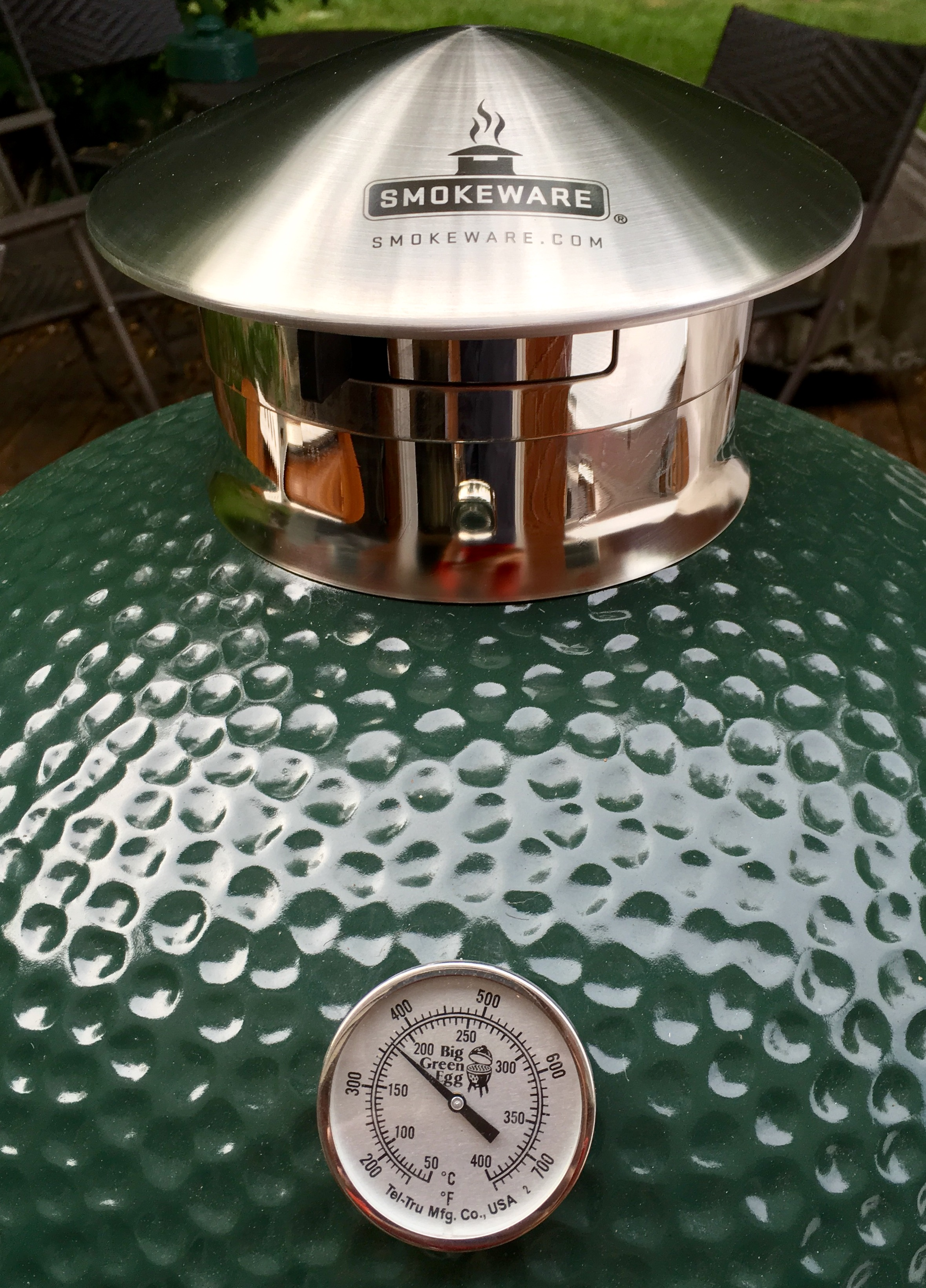 Big Green Egg is a great help for super accurate temperature control #653D27