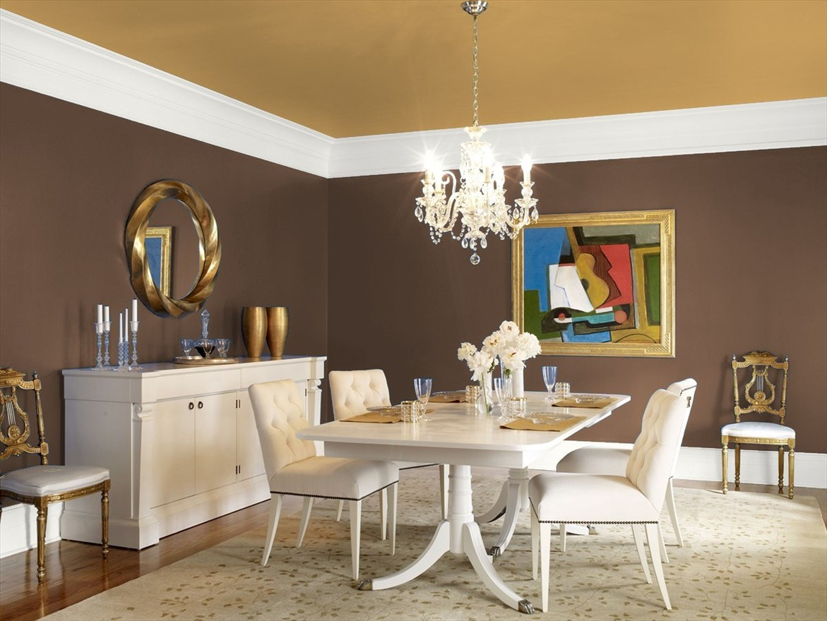 Dramatic Dining Room In Benjamin Moore S Chocolate Candy Brown