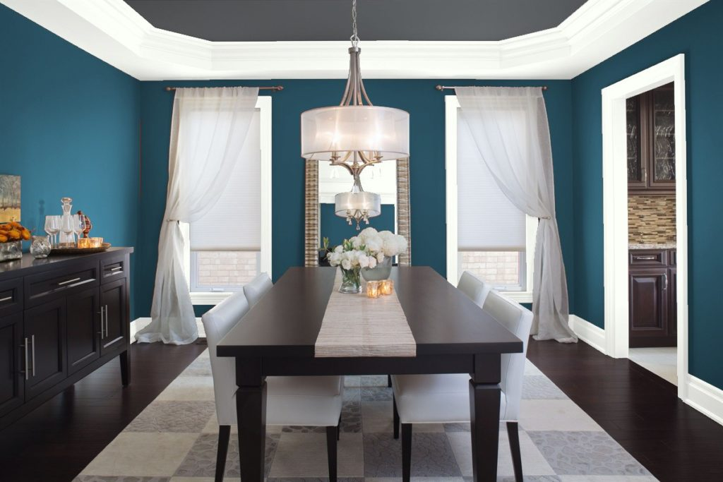 Dining room painted in Benjamin Moore's Lucerne