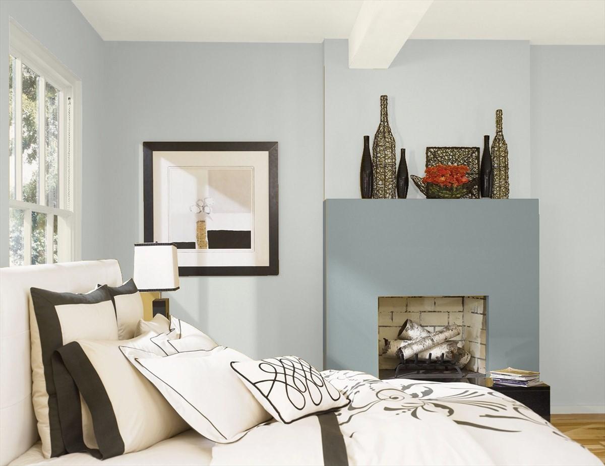 Bedroom painted in Benjamin Moore's Metropolitan